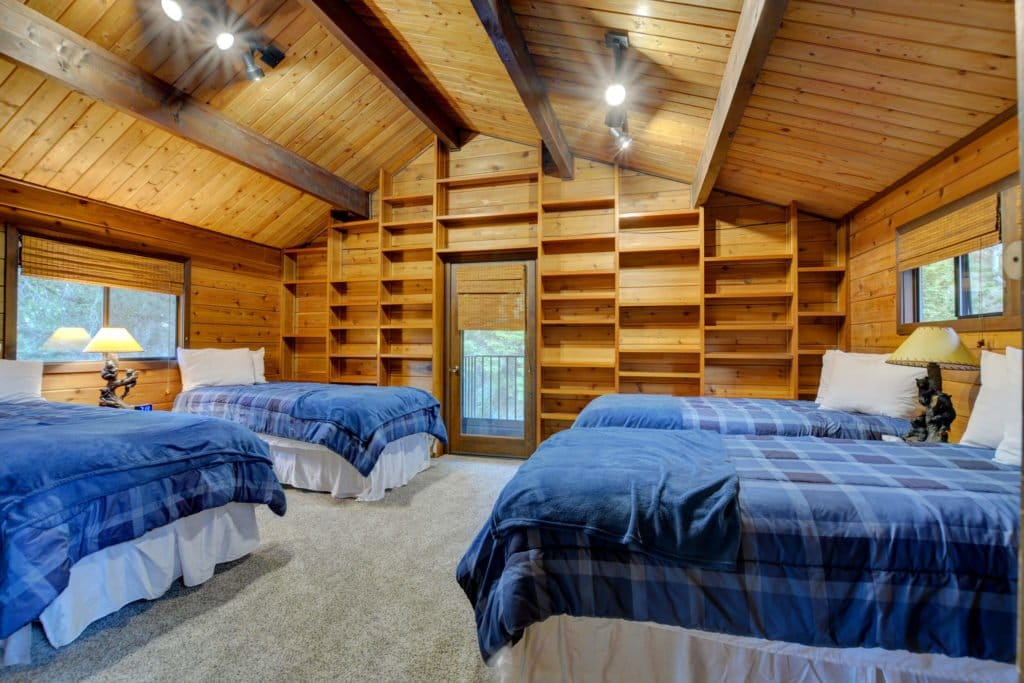 The Treetops House Upstairs Bedroom