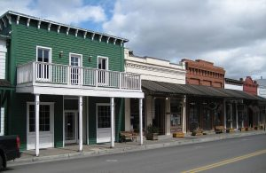 Row of shops in Jacksonville, OR