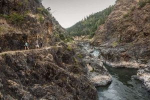 Hiking along the Rogue River